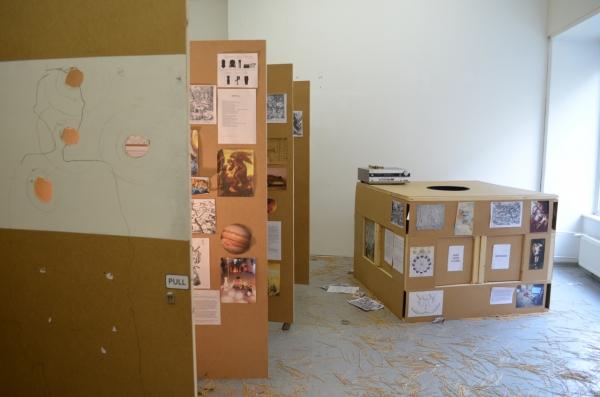 Auf der Suche nach den 7 Weisen, Lan Hungh, installation at rosalux, April 2016